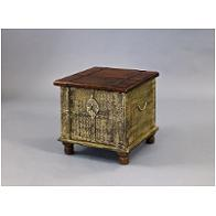 517307 Pulaski Furniture Accents And Curios Accent Furniture Accent Tables