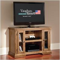 Vaughan Bassett Furniture Traditional Light Oak