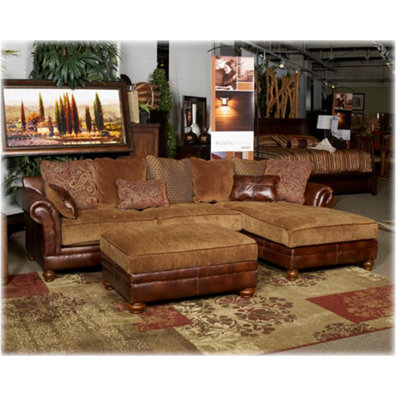 3310067 Ashley Furniture 2pc Sectional W Laf Chaise