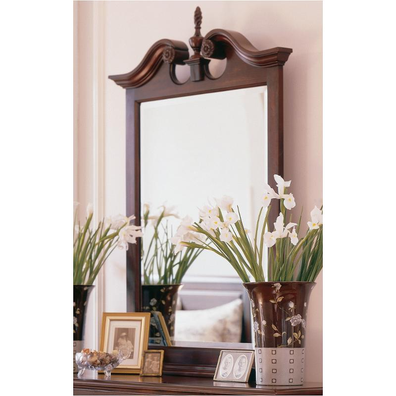 60 111n Kincaid Furniture Carriage House Bedroom Mirror