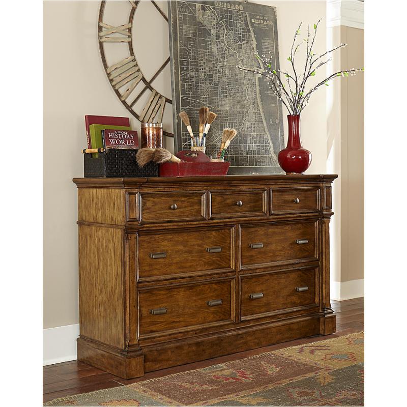 4808 230 Broyhill Furniture 7 Drawer Dresser