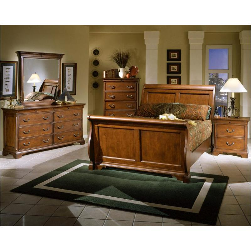 I85 400 3 Aspen Home Furniture Chateau De Vin Queen Sleigh Bed