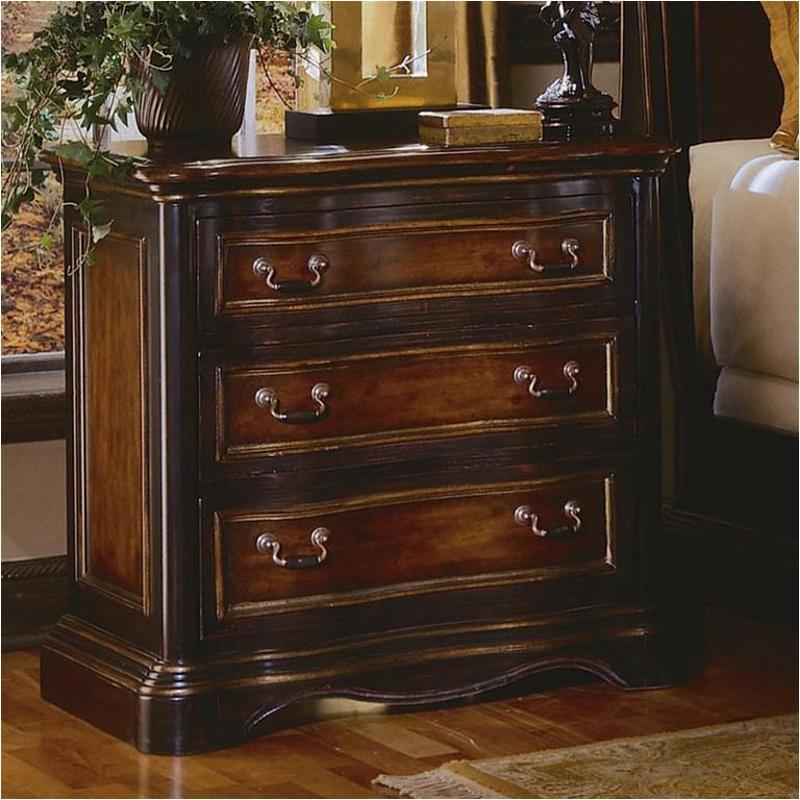 864-90-016 Hooker Furniture Preston Ridge 3 Drawer Nightstand
