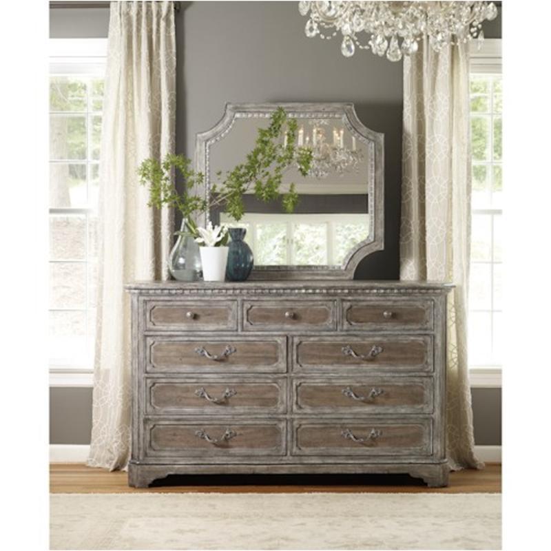 5701-90002 Hooker Furniture True Vintage Nine Drawer Dresser