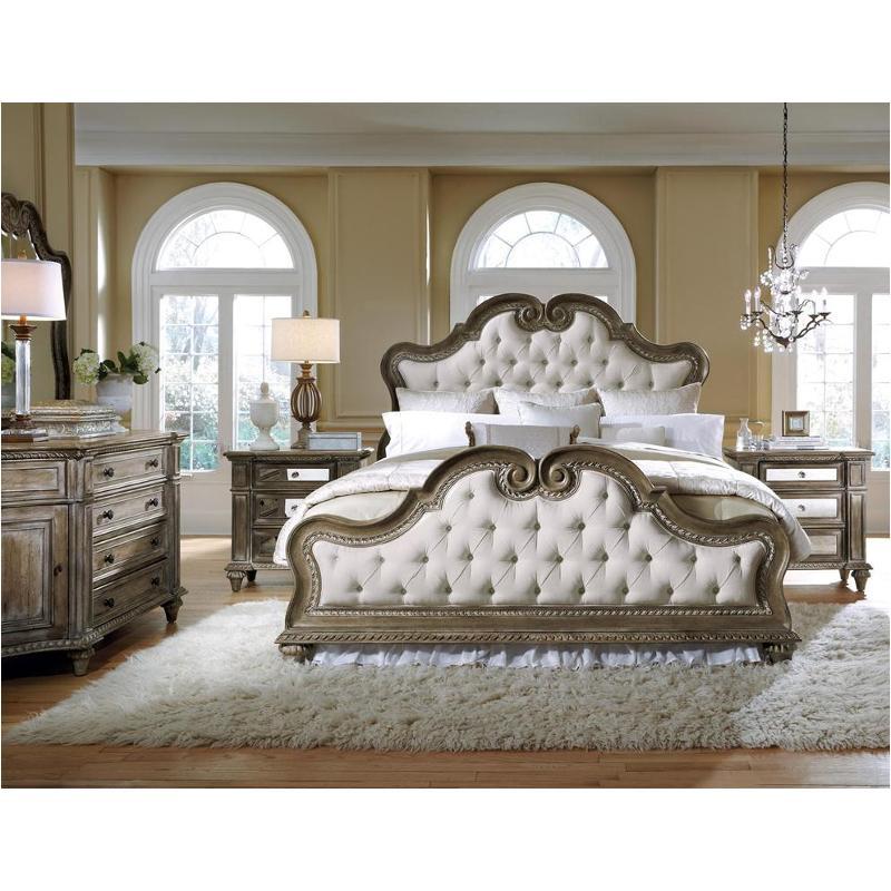211170 Pulaski Furniture Arabella Queen Upholstered Bed