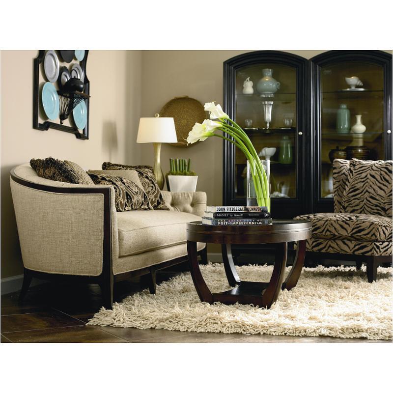 8100 082 A Schnadig Furniture Maxine Living Room Sofa