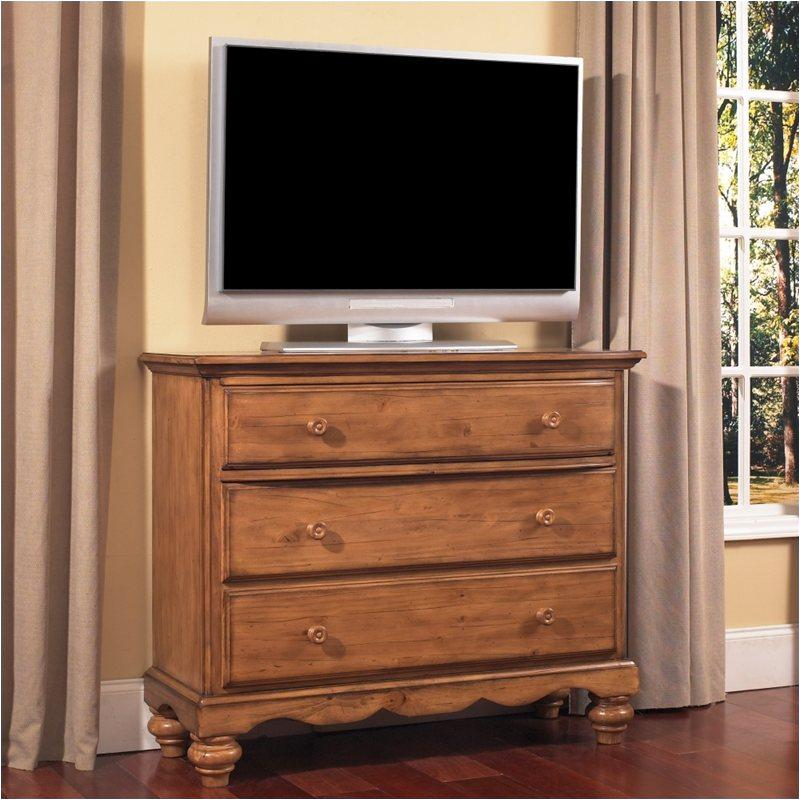 1553 790 Hillsdale Furniture Hamptons Weathered Pine Tv Chest Weathered Pine
