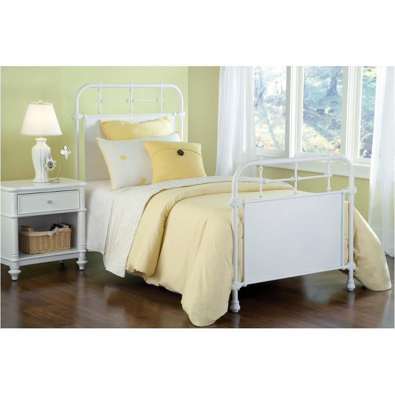 1708 500 Hillsdale Furniture Kensington   White Bedroom Bed