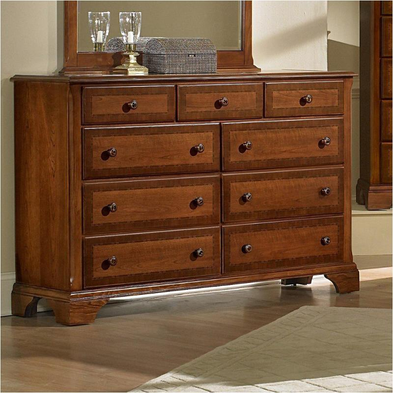 400 003 Vaughan Bassett Furniture Dresser