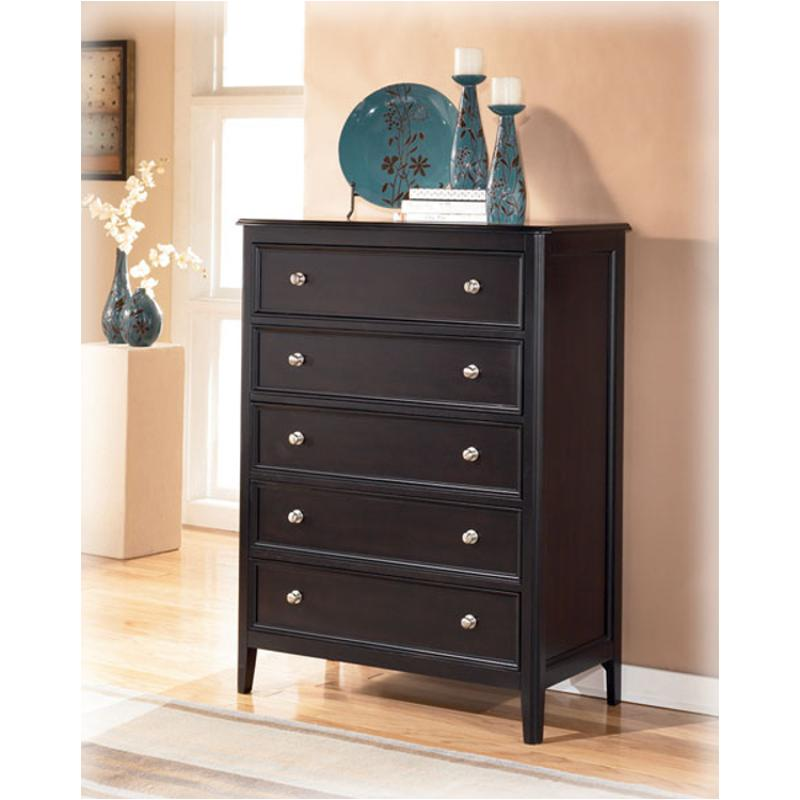 B371 46 Ashley Furniture Carlyle Bedroom Chest