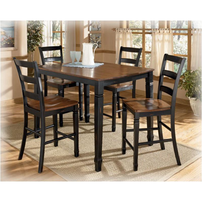 D212-223 Ashley Furniture Counter Height Table/(4) Bar Stools