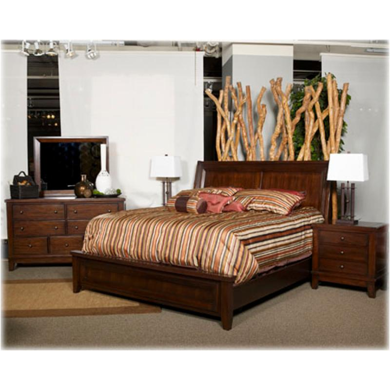 B696 31 Ashley Furniture Holloway Bedroom Dresser