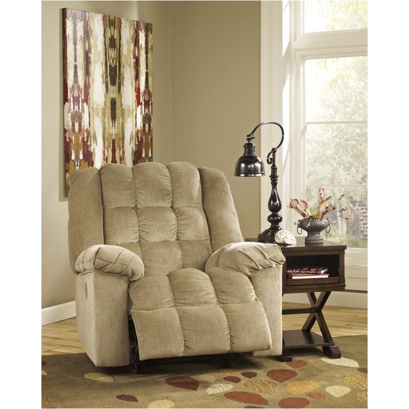 8110325 Ashley Furniture Ludden
