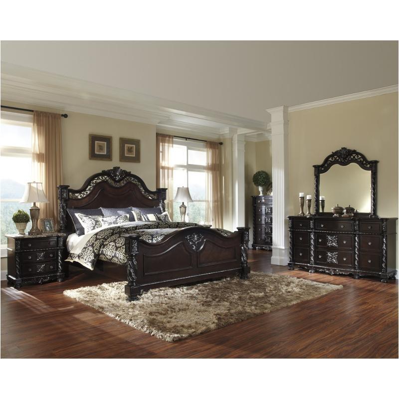 B682 71 Ashley Furniture Mattiner Bedroom Queen Poster Bed