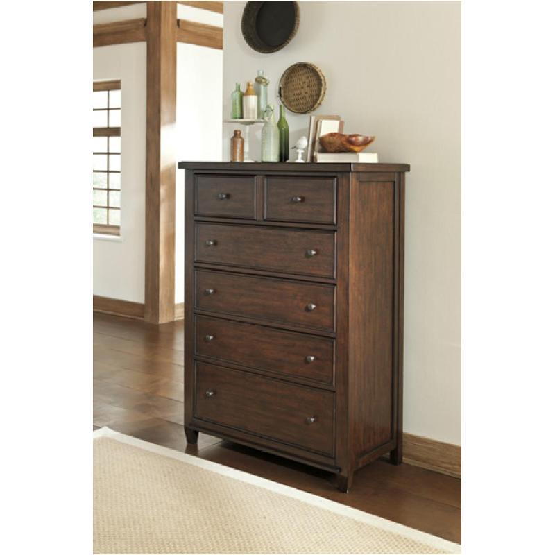 B695-46 Ashley Furniture Hindell Park Bedroom Chest