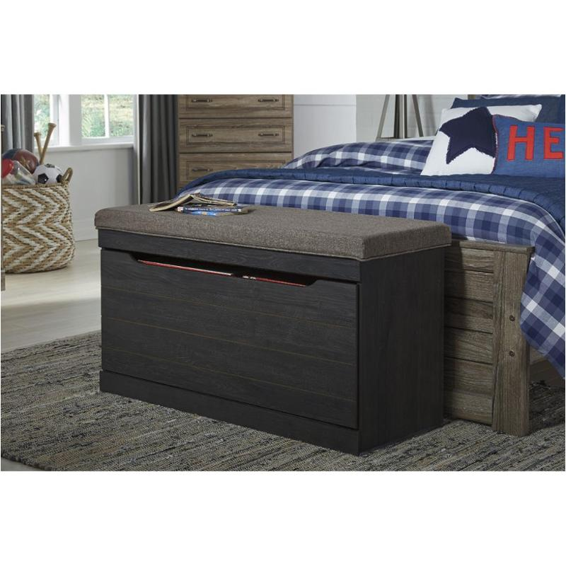 B171 209 ashley furniture large upholstered storage bench - Ashley furniture bedroom benches ...