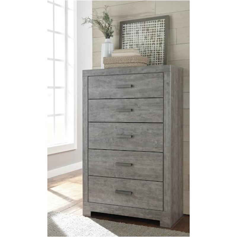 B070 46 Ashley Furniture Culverbach Bedroom Chest