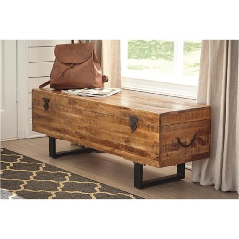 D548 010 Ashley Furniture Glosco Brown Storage Bench