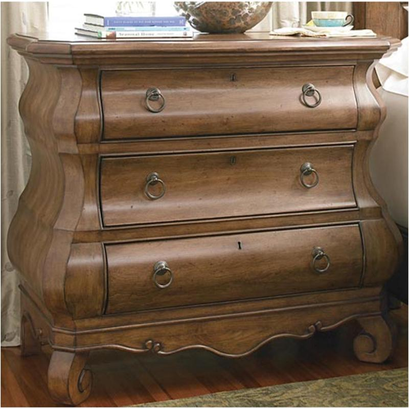 071360 Universal Furniture New Lou Bedroom Louie Ps Chest