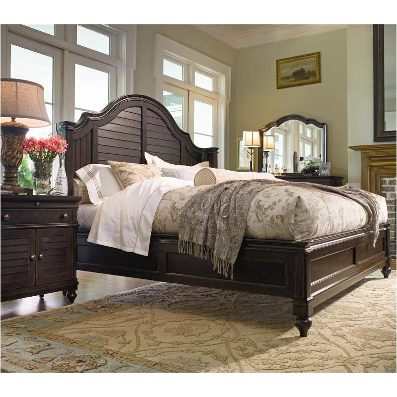932220 Universal Furniture King Steel Magnolia Bed Tobacco